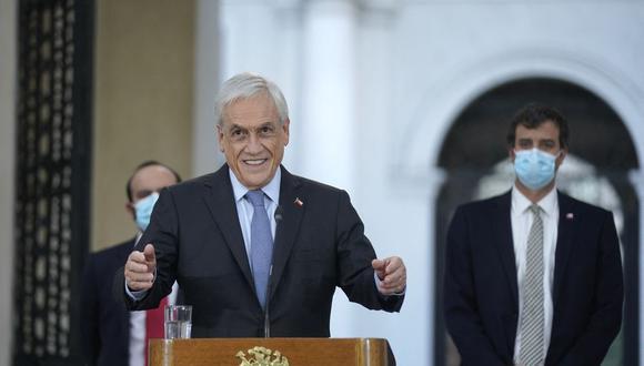 El presidente de Chile, Sebastián Piñera, anuncia nuevas ayudas sociales para paliar la crisis generada por el coronavirus. (Foto: AFP).