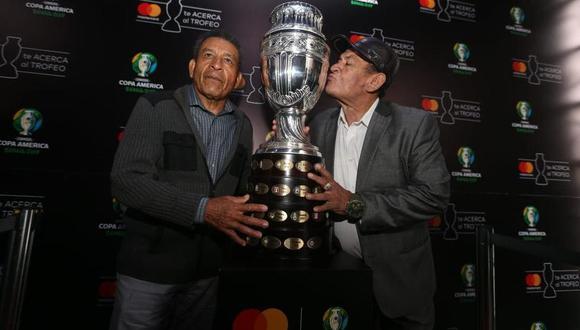 Héctor Chumpiaz y Hugo Sotil jugaron juntos en los mundiales México 70 y Argentina 78. (Foto: GEC)