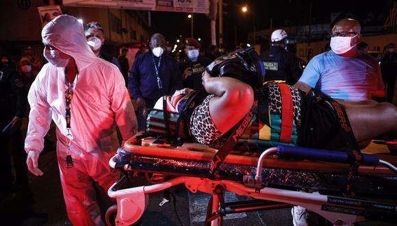 Chofer fue detenido tras una intensa persecución por dos distritos, y su esposa resultó herida. (Foto: Joel Alonzo/ @photo.gec)