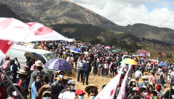 Son seguidores de Perú Libre que llegaron procedente de Apurímac, Huancavelica y de algunas zonas de Ayacucho. (Foto: Alessandro Currarino /@photo.gec)