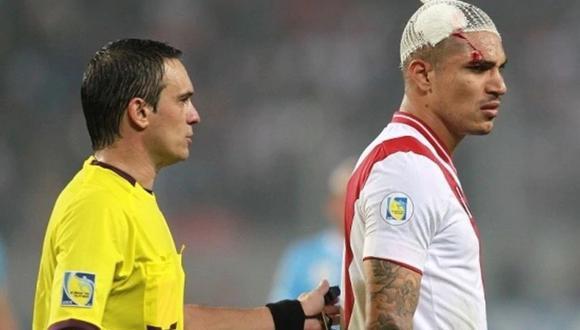 Patricio Loustau fue el árbitro del Perú-Uruguay por las Eliminatorias para Brasil 2014. Ganaron los charrúas 2-1. (Foto: Agencias).