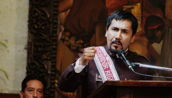 El gobernador regional de Arequipa ha manifestado en varios espacios su rechazo al proyecto minero Tía María. (Foto: Zenaida Condori)