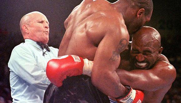 Lo que sucedió esa noche fue uno de los episodios más bochornosos de la historia del boxeo. (Foto: AFP)