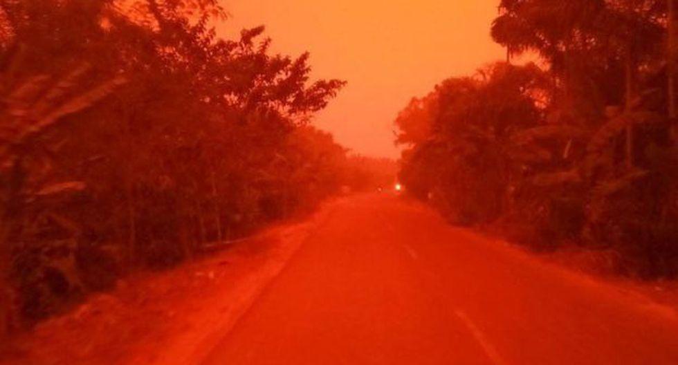 El pueblo de Mekar Sari se tiñó de un rojo profundo. (Foto: EKA WULANDARI)