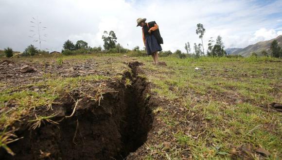 Socosbamba nuevamente en emergencia por grandes grietas