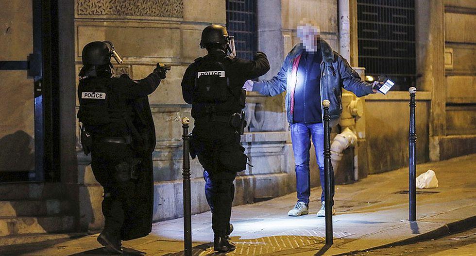 Alerta máxima en París por ataque terrorista en Campos Elíseos - 1