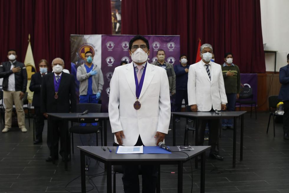 El Colegio Médico del Perú (CMP) y el Consejo Regional III – Lima, órgano directivo del CMP en Lima Metropolitana, rindieron homenaje este viernes a los doctores que vencieron el COVID-19. (Foto: Violeta Ayasta/GEC)