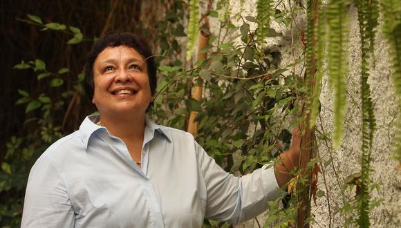 Virginia Rosas Ribeyro, editora de la sección Mundo de 1995 al 2009 y columnista hasta el 2020. FOTO: ALESSANDRO CURRARINO/EL COMERCIO