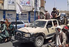 Talibanes capturan dos nuevas capitales en Afganistán y están a solo 50 km de Kabul