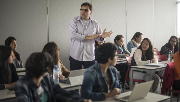 La Ley Universitaria, publicada en el 2014, establecía que los estudios de pregrado de educación a distancia o no presencial no podían superar el 50% del total de los créditos de las mallas curriculares. (Foto referencial: Elias Alfageme/ Suplemento vocacional/ GEC)