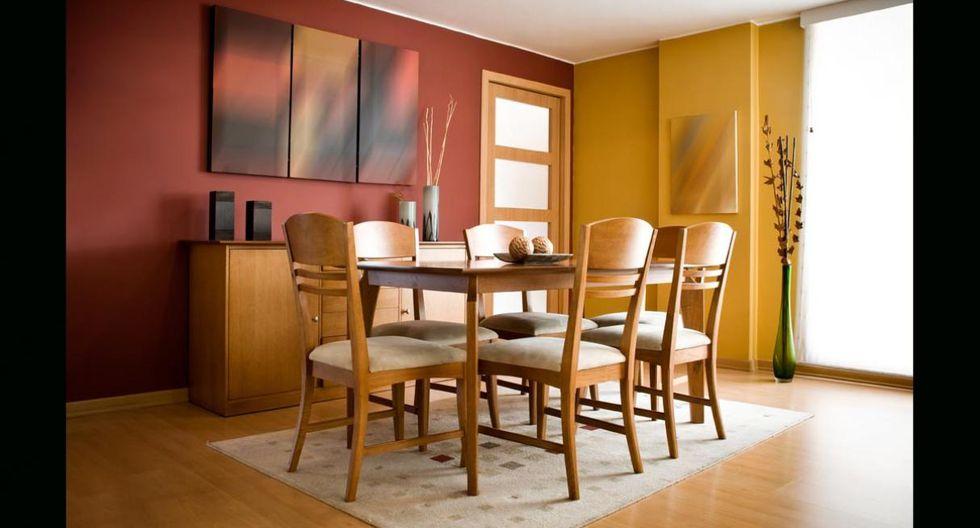 Madera como nueva. El aceite de oliva puede ser una gran alternativa para devolverle la vida a tus muebles de madera. Mezcla dos cucharadas de aceite con unas gotas de limón y, con ayuda de un paño, frota la mezcla sobre la superficie. (Foto: Shutterstock)