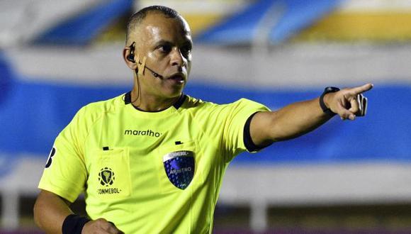 Wilton Sampaio estuvo como árbitro principal en la victoria de Argentina sobre Uruguay en la presente Copa América. (Foto: AFP)