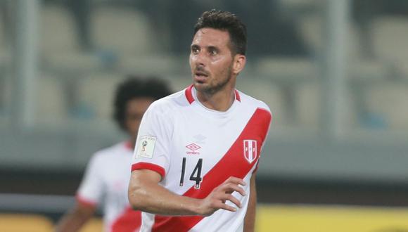 """En el transcurso de la entrevista le preguntaron a Claudio Pizarro si formaba parte del grupo de WhatsApp de la selección. """"No estoy dentro de ese chat. Pregúntale a los que están dentro de él"""", dijo. (Foto: El Comercio)"""