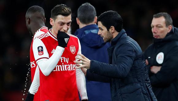 Mesut Özil partió a Turquía y no acompaña al Arsenal en la final de la FA Cup. (Foto: Reuters)