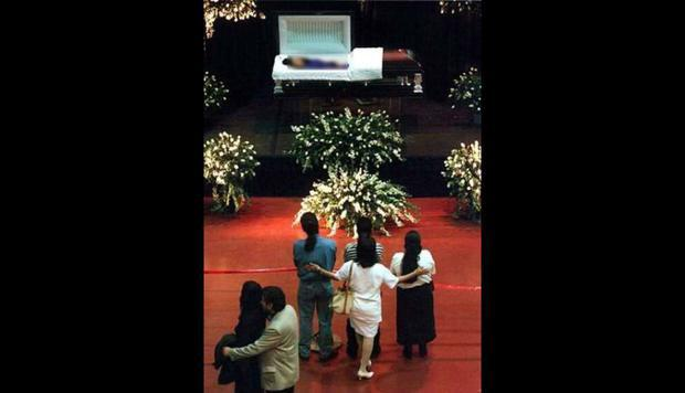 Selena Quintanilla's funeral.  (Photo: Getty Images)