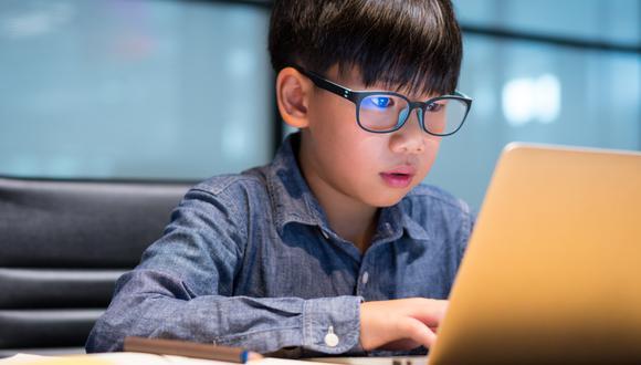 Un informe de Google señala que uno de cada 10 padres aseguraron que sus hijos fueron víctimas, al menos una vez, de hackers que robaron información de sus cuentas.