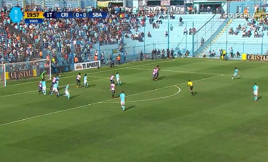 Daniel Ferreyra le negó el primer gol a Carlos Lobatón en el Alberto Gallardo | Fuente: Twitter GOLPERU
