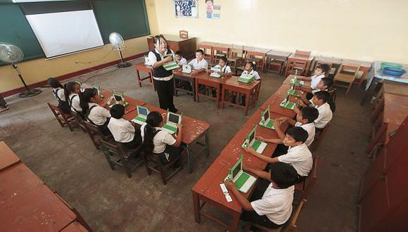 Iquitos: aulas móviles benefician a 8 mil escolares loretanos