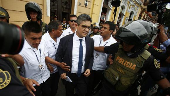 El fiscal José Domingo Pérez el día del allanamiento a los locales de Fuerza Popular, el 7 de diciembre del 2017. (Foto de archivo: GEC).