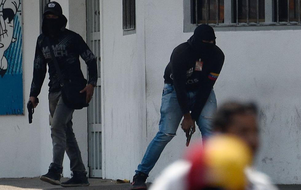 Venezuela: paramilitares y policías disparan contra manifestantes en San Antonio del Táchira. (AFP).