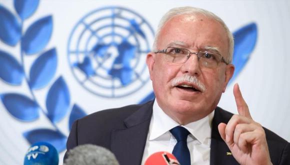 Riad al-Maliki, ministro de Asuntos Exteriores de la Autoridad Nacional Palestina, durante una conferencia de prensa de la ONU en Ginebra, febrero de 2020. (Foto de archivo: AFP)