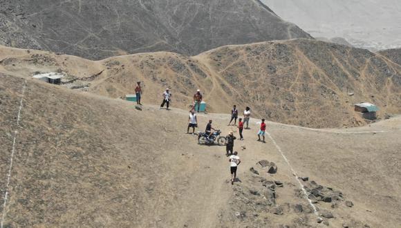 Las imágenes de los drones de la Molina permitieron observar que las personas estaban lotizando el cerro. (Foto: Municipalidad de La Molina)