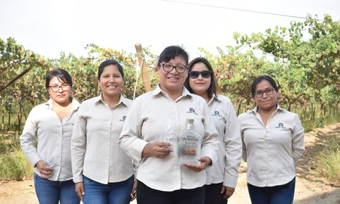 Conoce la destilería más antigua de San Isidro, Perú, liderada por mujeres