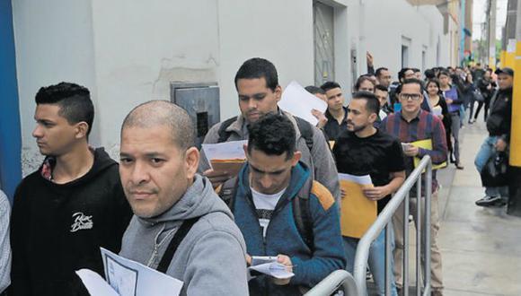 Según las autoridades, el 80% de los venezolanos que han ingresado al Perú tiene pasaporte. Este requisito será indispensable desde el sábado 25 de agosto. (Foto: Lino Chipana/El Comercio)