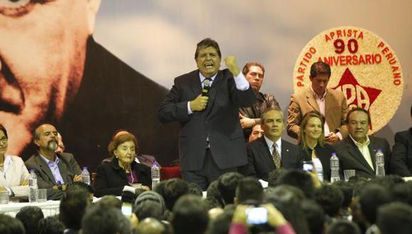 En el 2017, Alan García fue nuevamente elegido como presidente del Apra, pero declinó al encargo. Sin embargo, en el 2018 reapareció en una base partidaria, en La Molina. (Foto: El Comercio).
