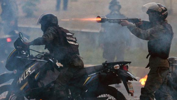 La represión contra la población civil ejecutada por el régimen de Venezuela podría constituir crímenes de lesa humanidad, alertó este martes Amnistía Internacional. (AFP).