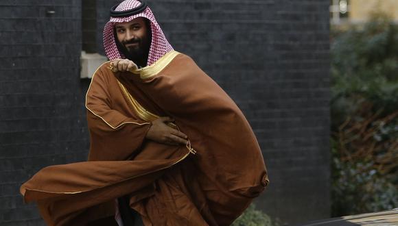 El príncipe heredero saudí, Mohammed Bin Salman, tiene 33 años. En el 2015 decidió los bombardeos contra Yemen, al mismo tiempo que emprendió reformas sociales en el reino ultraconservador. (Foto: AP).