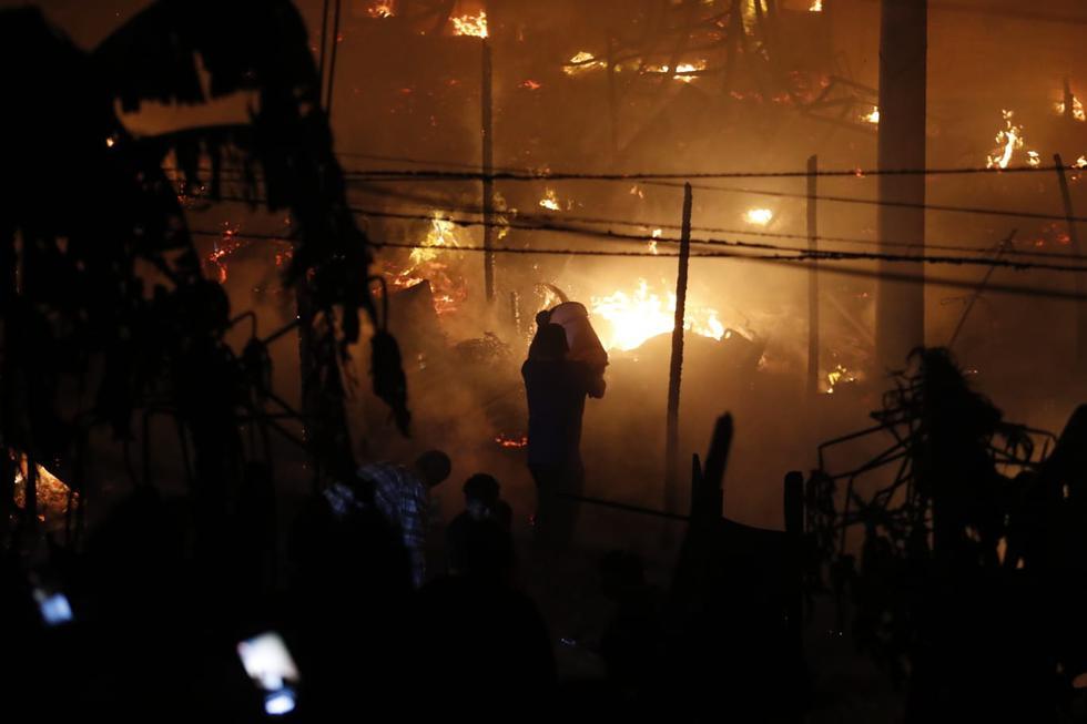 Recordemos que, el 4 de noviembre de 2016 un incendio en la comunidad shipibo-konibo DE Cantagallo, en el Rímac, destruyó alrededor de 436 viviendas y dejó a 2.038 personas afectadas, según informó en su momento la Defensoría del Pueblo. (Foto: Hugo Perez/@photo.gec)