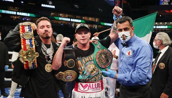 Si Canelo vence a Saunders en mayo, solo le restaría por lograr el título de la Federación Internacional de Boxeo (FIB), que posee el estadounidense Caleb Plant. (Foto: AFP)