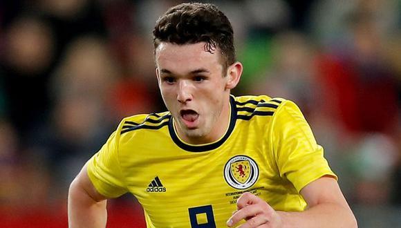 """John McGinn siente orgullo de vestir la camiseta de Escocia y formar parte del grupo que se medirá ante Perú en el Estadio Nacional. """"Jugar contra un equipo que irá al Mundial nos ayudará"""", dijo. (Foto: Sky Sports)"""