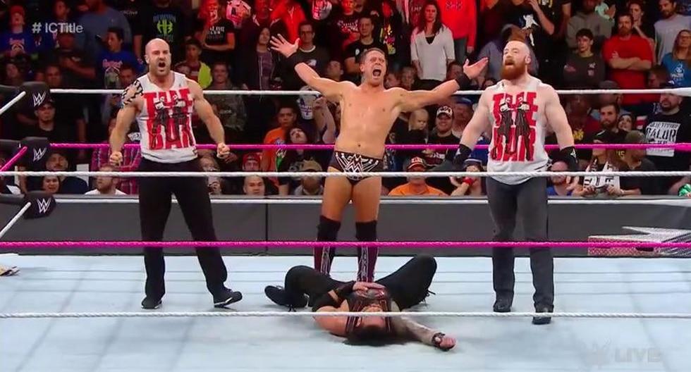 WWE: Reigns ganó por descalificación ante The Miz pero sufrió golpiza. (Foto: WWE)