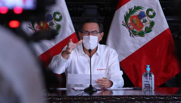 Martín Vizcarra se dirige a la nación casi a diario alrededor del mediodía. Su estrategia de comunicación es buena, pero tiene limitaciones, indican los analistas.