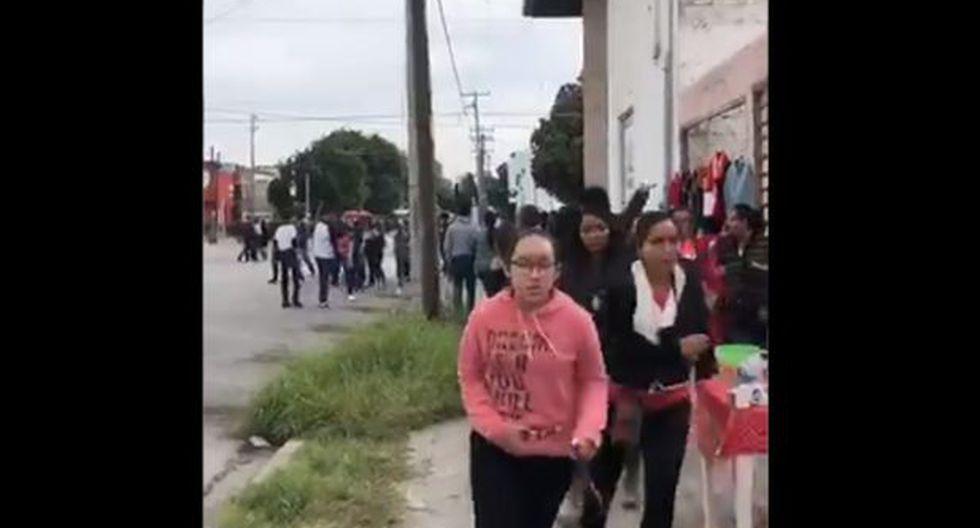 uana Mireya Fernández, jefa de Servicios Docentes del Centro de Estudios Tecnológicos, fue acribillada durante un multitudinario desfile celebrado en Torreón, Coahuila. Las autoridades detuvieron al posible autor intelectual. (Captura de video)