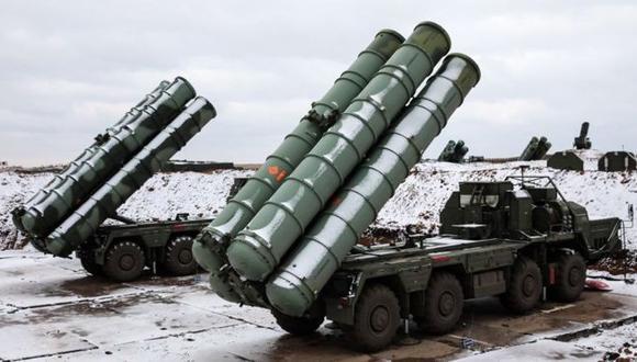 """Los S-400 """"Triumf"""" de Rusia figuran entre los sistemas de misiles """"tierra-aire"""" más avanzados del mundo. (Getty Images vía BBC)"""