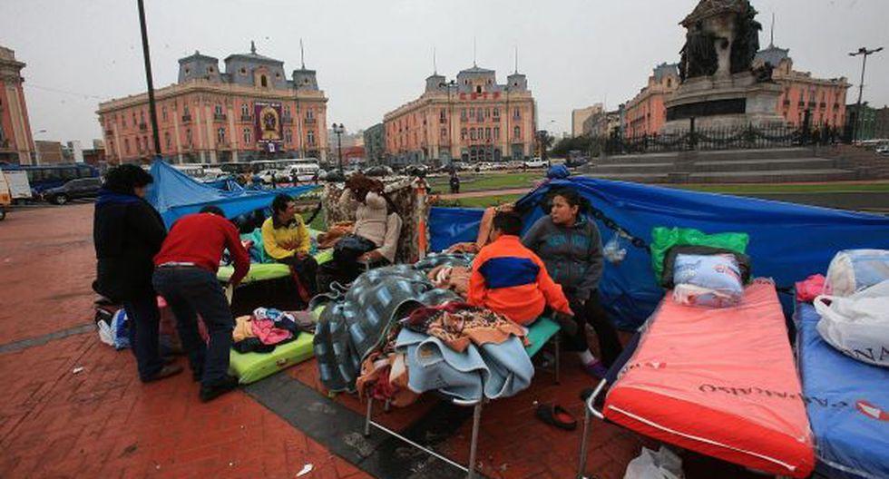 Incendio en Plaza Dos de Mayo: 30 damnificados irán a albergues