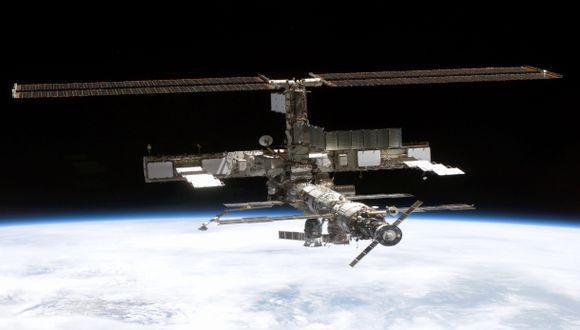 La estación espacial esquiva la basura espacial