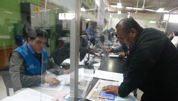 Taxistas recibirán sus certificados desde la próxima semana