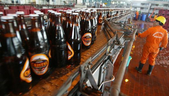 El director general de Política de Ingresos Públicos del MEF, Marco Camacho, aseguró que las compañías elevaron el precio de las bebidas alcohólicas y cigarrillos. (Foto: GEC)