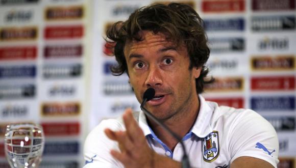Lugano se enfrenta con medios ingleses por defender a Suárez