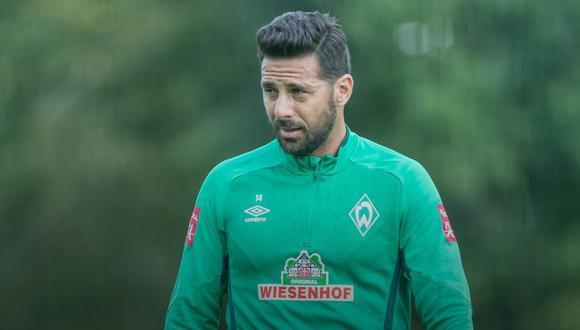 Claudio Pizarro sería el jugador de Werder Bremen enviado a hacer cuarentena por el club, indica Bild. (Foto: @werderbremenES)