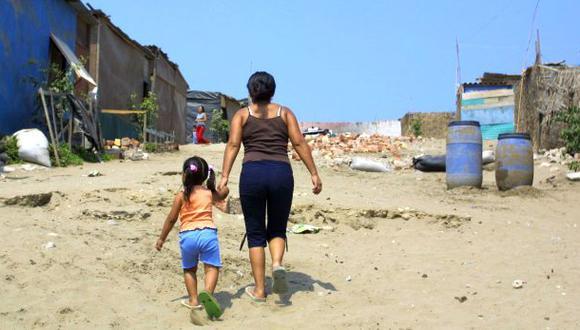 La pobreza en el Perú bajó a 23,9% en 2013, según el INEI