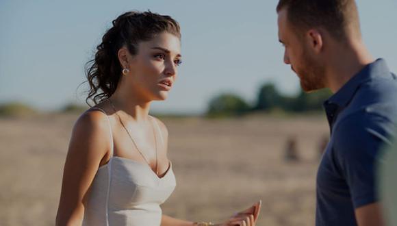 """Hande Erçel y Kerem Bürsin son novios en """"Love Is in the Air"""" y también en la vida real (Foto: MF Yapım)"""
