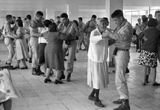 Entre bailes y actuaciones se celebró el Día de la Madre en 1977