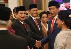 El presidente de Indonesia nombra a su rival electoral ministro de Defensa