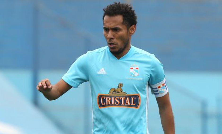 Carlos Lobatón reemplazó a Marcos López a los 64'. (Foto: Violeta Ayasta / GEC)