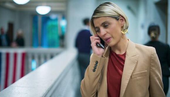 """En """"100 días para enamorarnos"""", Ilse Salas da vida a Constanza Franco, una abogada muy sofisticada y exitosa. (Foto: Netflix)"""
